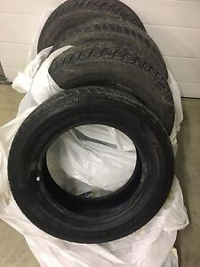 Set of 4 winter good year tires 195/65/15