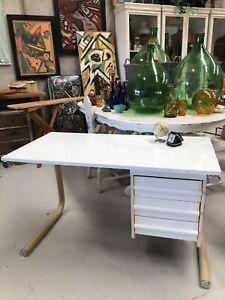 Retro desk Sunshine North Brimbank Area Preview