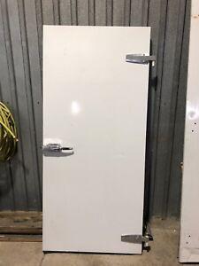 Porte de frigo et porte congelateur de chambre froide