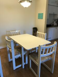 White dining room table and chairs