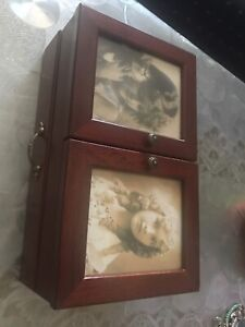 Wanted: Jewellery box