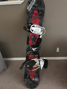 Arbor snowboard and bindings