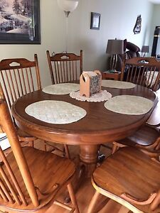 Eight piece dining room set reduced to sell