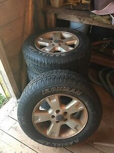 17 inch Ford Explorer wheels and tires