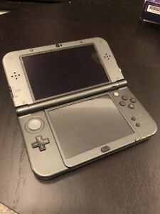 New 3ds XL with 50+ 3ds games installed w/accessories