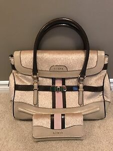 NWOT - Guess Purse