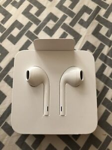 Apple Earbuds for iPhones 7 and up