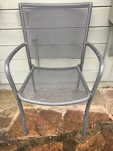 Metal chair with arms (several available)