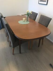 Extendable Vintage retro dining table