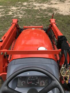 Kioti Deadong Tractor CK 30