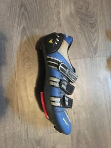 Shimano SPD road shoes size 9, 25$