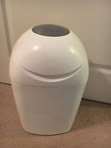 Nappy Bin - tonnes tippee Sangenic Kellyville The Hills District Preview