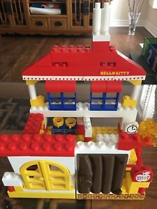 Hello Kitty mega blocks play set