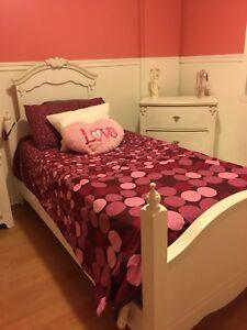 Set de chambre lit baldaquin