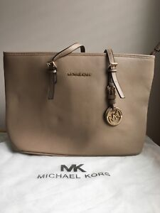 Michael Kors Handbag *NOT Authentic* Brand new