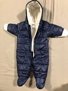 Old navy winter jacket size 3-6 months