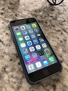 iPhone 6 and Apple case- mint