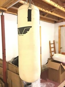 Heavy punching bag   50lbs