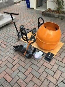 Cement mixer (like new)