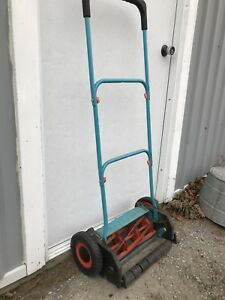 Gently Used Gardenia Hand lawn Mower