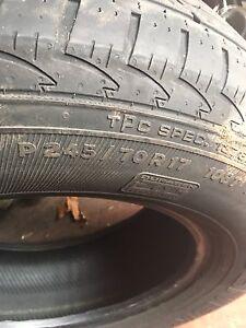 Truck tires P245