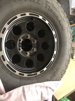 5x 16x8 -20 allied thunder with 305/70r16 AT's