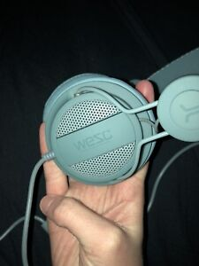WEZC HEADSET - MINT CONDITION, NEVER USED