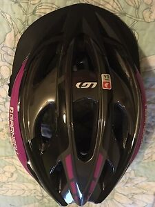 Women's bicycle helmet for sale!