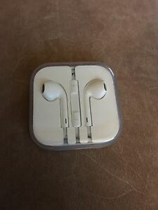Brand New Apple Headphones  Cambridge Kitchener Area image 1