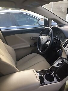 toyota venza awd 2010 for 16200$
