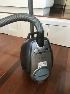 Bosch Relaxxu0027x ProSilence Bagless Vacuum Cleaner