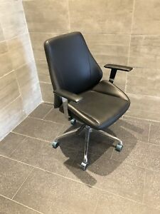 Modern office chair (never used)