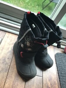 Snow shoes with flashlights size 12 boy