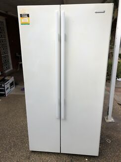 Cheap Simpson 610L French Door fridge for quick sale free delivery