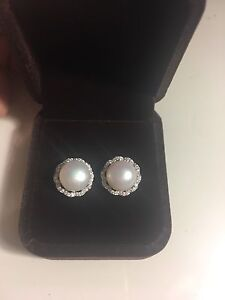 New pearl earrings- perfect valentines gift