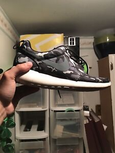 Camo roshes size 11