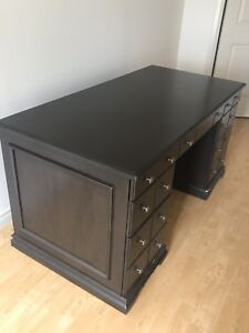 Ashley Furniture Solid wood desk - excellent cond 30Dx 30Hx 59L