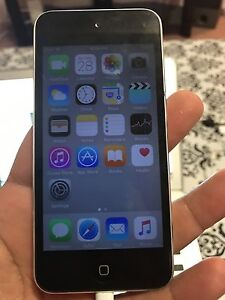 ipod touch 5 gen 16gb + beats Studio 2.0 wired