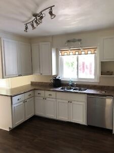 Charming 1960s Bronte Bungalow for Rent | House Rental | Oakville ...