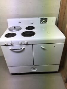 Collectors wanted!  Frigidaire Stove (1940's)