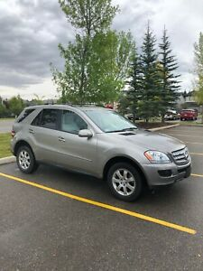 2006 Mercedes Benz ML350 AWD - LOW KM AND FULLY LOADED