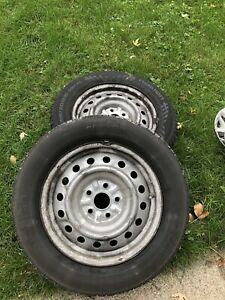 Summer tires on rims 215-60-16