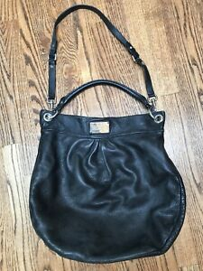 Marc Jacobs Classic Q Huge Hillier Hobo black leather purse