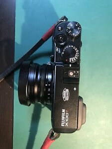 Fuji x100T (Black) with 28mm and 50mm lenses