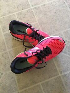 Ladies new balance sneakers