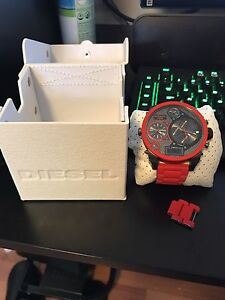 Montre Diesel rouge & carbone