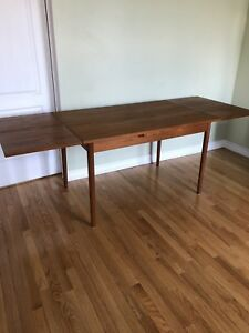 MID CENTURY MODERN TEAK DINING TABLE -Can Seat 4-8