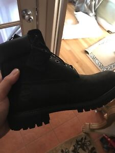 TIMBERLANDS POUR HOMME NOIR BEIGE 150$ 8-12 taille