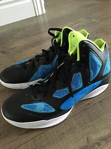Nike Hyperfuse Basketball Shoes - Men's 10