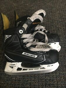 Bauer SUPREME S160 Youth Size 12 Hockey Skates